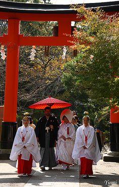 Shinto-style wedding Uji-gami-jinja, Kyoto https://www.youtube.com/channel/UC7BkM9iNCUNAaVsrQyrHGxw