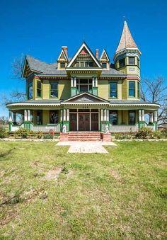 1898 Queen Anne - Dublin, TX - $850,000 - Old House Dreams