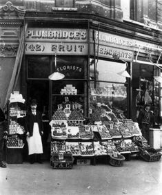 Canvas Print (other products available) - Plumbridge& greengrocer& shop with a well-stocked display along the shop front on the pavement. (Photo by Hulton Archive/Getty Images) - Image supplied by Fine Art Storehouse - Canvas Print made in Australia Victorian London, Vintage London, Vintage Shops, Victorian Street, Victorian Life, Old Pictures, Old Photos, Food Signs, London History