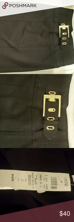NWT Cache black skirt gold buckle sz 2 THE basic pencil skirt that every woman needs in her closet! Cache Skirts Midi