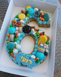 35 charming number cakes that dreams are made of 6 Number Birthday Cakes, Number Cakes, Cake Birthday, Fondant Cakes, Cupcake Cakes, Bolo Nacked, Wedding Cake With Initials, Alphabet Cake, Letter Cake Toppers