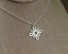Mandala pendant necklace in sterling silver por jersey608jewelry