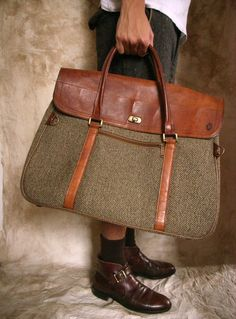 Classic travel satchel in leather and tweed