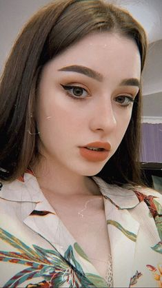 Pretty And Fresh Makup Looks For You To Start Your Year ; Makeup Looks; Fresh Makeup Looks; Fresh Makeup Look, Neutral Makeup Look, Korean Makeup Look, Korean Natural Makeup, Bright Makeup, Hd Make Up, Make Up Videos, Aesthetic Makeup, Aesthetic Girl