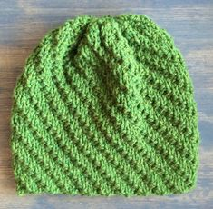 Ravelry: Hue med et tvist pattern by ByProjectHandmade Knitting Patterns Free, Knit Patterns, Free Pattern, Knitting Ideas, Knit Crochet, Crochet Hats, Bindi, Signs, Knitted Hats