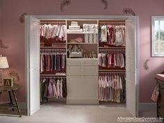 armario ordenado para bebe