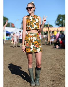 Inspiration: festival fashion - matching florals at Glastonbury 2011