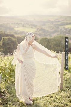 Neato! - juliet cap veil & silver sixpence in her shoe headpiece (photo by Katy Lunsford)   CHECK OUT MORE IDEAS AT WEDDINGPINS.NET   #weddings #weddingveils #weddingthemes #events #forweddings #iloveweddings #romance #honeymoon #hats