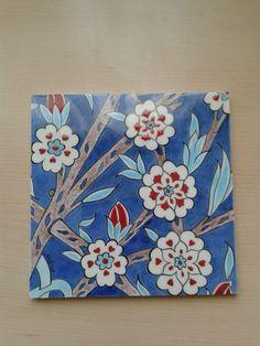 handmade by Meral Cetin cm Ceramic tile.handmade by Meral Cetin Turkish Tiles, Turkish Art, Embroidery Works, Handmade Tiles, Glazes For Pottery, Hand Painted Ceramics, Tile Art, Types Of Art, Islamic Art