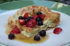 Grain-free Dutch Babies (puffy pancakes) from The Unrefined Kitchen