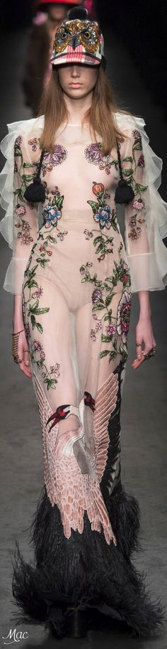 Fall 2016 Ready-to-Wear Gucci