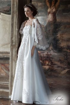 TICHE (Vestido de Novia). Diseñador: Alberta Ferretti. ...