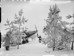 The British Expeditionary Force (bef) in France The Royal Air Force in France 1939 - Fairey Battle fighter bomber at a snow covered airfield in France during the winter of 1939 - Air Force Aircraft, Ww2 Aircraft, Us Vets, Ww2 Planes, Royal Air Force, World War Two, Wwii, Battle, British