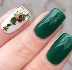 Do you want to learn about holiday nail art trends We have gathered 18 ideas of Christmas manicure for you to show off your pretty nails at a party. Holiday Nail Art, Christmas Nail Designs, Christmas Nail Art, Christmas Ring, Simple Christmas, Christmas Tree, Xmas Nails, Fun Nails, Nail Art Noel