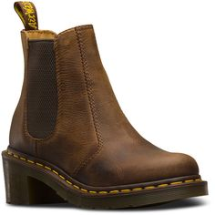 Dr. Martens Leather Cadence Boots (475 BRL) ❤ liked on Polyvore featuring shoes, boots, tan, leather chelsea boots, tan leather boots, real leather boots, tan chelsea boots and short heel boots