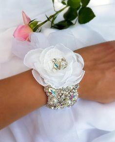 89711da4c06 52 nejlepších obrázků z nástěnky wedding hair accessories
