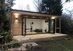80 Easy Small Garden Gym On A Budget - Beautiful Garden Home Gym Garage, Diy Home Gym, Gym Room At Home, Home Gym Decor, Basement Gym, Backyard Office, Backyard Studio, Outdoor Office, Backyard House