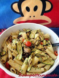 Pasta con zucchine, tonno e pomodorini http://zampetteinpasta.blogspot.it/2013/09/pasta-con-zucchine-tonno-e-pomodorini.html