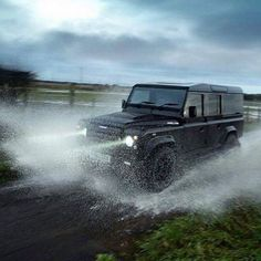 Land Rover Defender 110 Td4 Sw Se Adventure sports off road. Moving well just in time for the weekend...