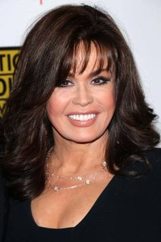 marie osmond - layered with wispy bangs Beautiful Women Over 50, Beautiful Old Woman, Hair Styles 2014, Medium Hair Styles, Feathered Hairstyles, Cool Hairstyles, Celebrity Hairstyles, Marie Osmond Hot, Blunt Hair