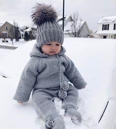 "6,089 gilla-markeringar, 43 kommentarer - Vita M RDH (@vitamusiyevich) på Instagram: ""Happy Friday ❄️ baby M still not impressed with snow  #yayitsfriday #babygirl #babèM #winter2017…"""