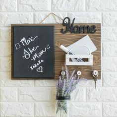 Trendy Farmhouse Command Center for Your House to Organize Your Keys, Notes, and To Dos #darbysmart #diy #diyprojects #diyideas #artsandcrafts #organization #farmhousedecor #walldecor #homedecor