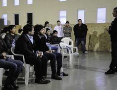 #Charla con vecinos en el gimnasio Lucho Fernández sobre la tenencia - El Diario Nuevo Dia: El Diario Nuevo Dia Charla con vecinos en el…