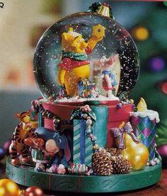 Winnie the Pooh Christmas snow globe, Disney snowglobe