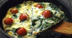 Frittata with Baby Spinach. Cheesy frittata with baby spinach mushrooms and cherry tomatoes that goes well both warm and cold in the lunchbox! Spinach Frittata, Spinach And Cheese, Baby Spinach, Vegetarian Frittata, Vegetable Frittata, High Protein Recipes, Diet Recipes, Healthy Recipes, Healthy Protein