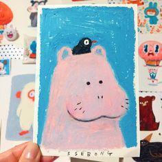 내 새로운 펫을 소개하지. 하마!!!!!!!!!! - - - #ssebong #character #illustration #draw#doodle#drawing#hippo#characterdesign #oilpastel #쎄봉#그림#낙서#일러스트#드로잉#하마#오일파스텔#イラスト#オイルパステル Photography Illustration, Cute Illustration, Art Sketches, Art Drawings, Flower Doodles, Doodle Flowers, Exhibition, Watercolor Sketch, Illustrations And Posters