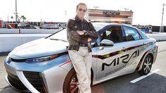 Toyota Mirai, el carro de hidrógeno de Schwarzenegger #SmartCars