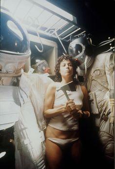 Sci Fi Movies, Movie Tv, Venetian Costumes, Alien 1979, Sigourney Weaver, Aliens Movie, Ridley Scott, Classic Horror Movies, Action Film