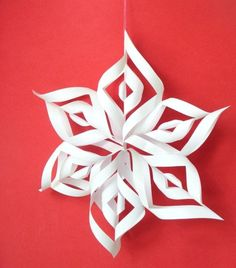 Simple, easy to do paper snowflakes. You can make this 6 wing snowflakes and use it to decorate your Christmas tree or hang it on the window. Materials paper scissors thread double-sided tape or glue Christmas Projects, Holiday Crafts, Holiday Fun, Noel Christmas, Winter Christmas, Christmas Ornaments, 3d Paper Snowflakes, Snow Flakes Diy, Paper Crafts