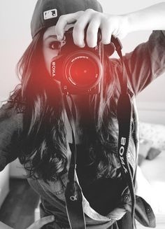 There are few things I adore more than a girl that can operate a camera.        Girls w/ DSLR  <3