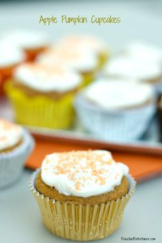 Apple Pumpkin Cupcakes | ReluctantEntertainer.com