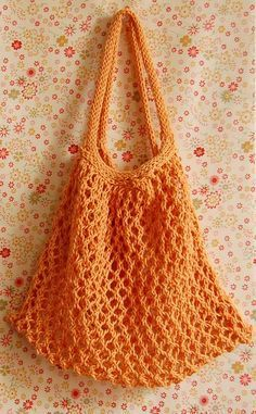 """She calls it her """"No More Plastic Bag, Thank You!"""" It is a fast knit that takes only a few hours to complete. Elisa's Nest Tote can be made from just about any cotton yarn (linen or hemp yarn work nicely, too). Crochet Market Bag, Crochet Tote, Crochet Handbags, Crochet Purses, Knit Or Crochet, Free Crochet, Purl Bee, Purse Patterns, Knitting Patterns"""