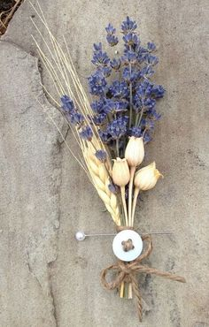60 Rustic Wheat Wedding Ideas Planning a late summer or a fall wedding? I have a brilliant and budge Rustic Wedding Signs, Diy Wedding, Wedding Ideas, Rustic Weddings, Pagan Wedding, Fall Wedding Flowers, Wedding Bouquets, Wedding Boutonniere, Wedding Corsages