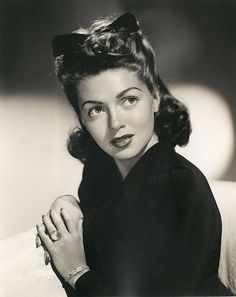 lana turner, 1940's brunette hair with a bow