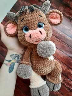 Amigurumi teddy bear models, which are preferred by those who like to do knittin. - Amigurumi teddy bear models, which are preferred by those who like to do knitting at home, are amon - Crochet Cow, Crochet Teddy, Cute Crochet, Crochet Crafts, Crochet Dolls, Crochet Projects, Fabric Crafts, Crochet Animal Patterns, Stuffed Animal Patterns