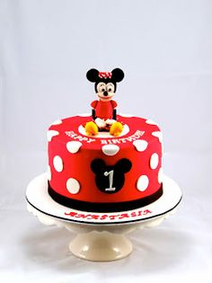 Bakerz Dad: Minnie Mouse Cake