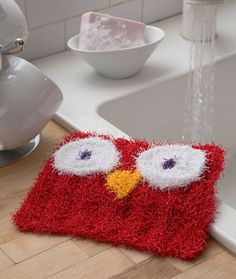 Free knitting pattern for Wise Owl Scrubby Wash Cloth - Michele Wilcox designed this cute cloth for Red Heart Yarn.