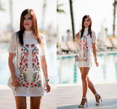 Viktoriya S. - WHITE DRESS NEAR POOL