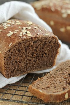 Outback Copycat Honey Whole Wheat Bread - Carmel Moments Honey Wheat Bread, Wheat Bread Recipe, Whole Wheat Baguette Recipe, Bread Machine Recipes, Banana Bread Recipes, Squaw Bread Recipe For Bread Machine, Cooking Bread, Bread Baking, Sweet Like Candy