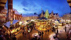Mercadillos navideños en Alemania Frankfurt. Ambiente navideño y el mayor abeto de Alemania esperan al visitante en el Mercado de Navidad de Frankfurt. | Foto: Philipp von Saalfeld