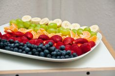 -Fruit platter-why not do this at a kids party instated of junk food!?!? Most kids love fruit! Way better alternative! Doing this for my kids
