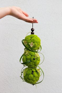 Green Hanging Bridal Bouquet unusual wedding bouquet #unique #wedding #bouquet