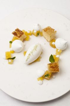 ) with pineapple and coconut. Really want to make this for brunch! One of the many delicious meals featured in Burnt, starring Bradley Cooper as an eccentric chef determined to make the most of a second chance. Desserts Menu, Fancy Desserts, Plated Desserts, Gourmet Desserts, Gourmet Recipes, Cooking Recipes, Michelin Star Food, Masterchef, Chefs