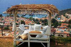 köşk kalkan - Google zoeken Turkish Fashion, Turkish Style, Turkey Holidays, Style Lounge, Beautiful Gardens, Pergola, Spain, Construction, Outdoor Structures