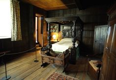 Elizabethan style bedroom - four poster bed with heavy wooden tester - I can just imagine this decked out for Christmas with ivy for Matthew and Diana's return to London