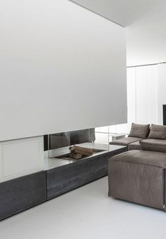 Clean use of glass at FP Interior Design Inspiration, Decor Interior Design, Modern Interior, Interior Architecture, Modern Fireplace, Fireplace Mantle, Home Decor Furniture, Furniture Design, Fire Places